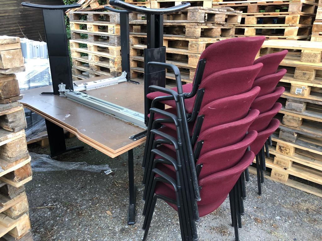 11x stoel en 2x bureau eurotrexverkoop.nl